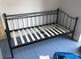 Stylish black metal day bed in excellent condition