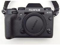 FUJIFILM X-T1 camera body ( near mint )