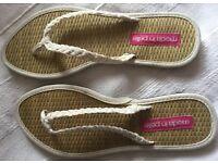 Moda in pelle flip flops UK size 3 1/2 European 36