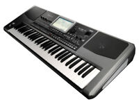 Korg PA900 keyboard with box and stand