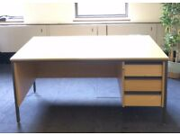 Office desks (15 available)