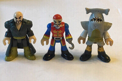 Fisher Price Imaginext Pirate Lot#2  3 Pirates With 2 Tunics Captain Hook Shark