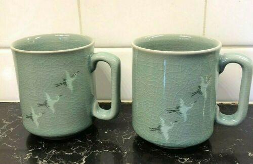 PAIR OF GREEN KOREAN CELADON CRACKLE COFFEE TEA MUGS WITH CRANES SIGNED
