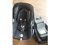 Maxi Cosi set ( Family fix + CabrioFix car seat ) REDUCED PRICE