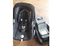 Maxi Cosi set ( Family fix + CabrioFix car seat ) REDUCED PRICE