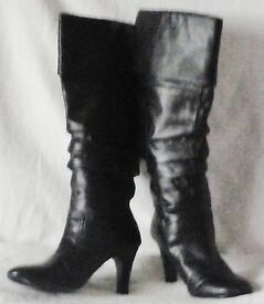 "LADIES 3"" HIGH HEELED BLACK FASHION BOOTS, Size 4, Very Good Condition."