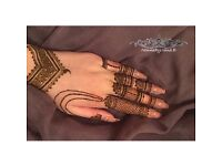 Professional Henna/Mehendi Artist Available For Budget Prices