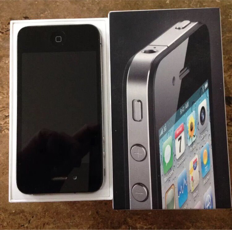 iPhone 4 16gbin Truro, CornwallGumtree - iPhone 4 16gb Grampound roadCan deliver locally Currently on 02 but can get unlocked