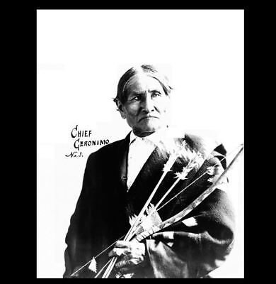1904 Geronimo St Louis Worlds Fair PHOTO,Bow & Arrows, Apache Indian Chief