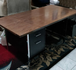 Work bench/table (metal frame, wood top, heavy) industrial grade