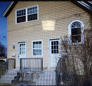 2 bedroom with WASHER AND DRYER - $895 UTILITIES INCLUDED!