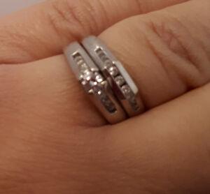 Bague de fiançailles et alliance pour femme à vendre