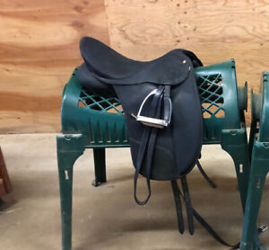 Wintec Win Pro dressage saddle