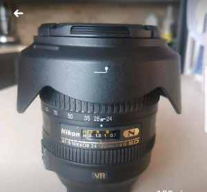 Nikon 24-120mm lens (f4/ FX ED VR) like new!