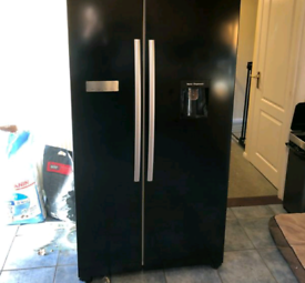 Black samsung American style water and ice dispenser fridge freezer