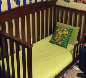 Crib / toddler bed