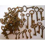 Rusty ornate Skeleton 1800's keys '200' pc lot steampunk #2207200
