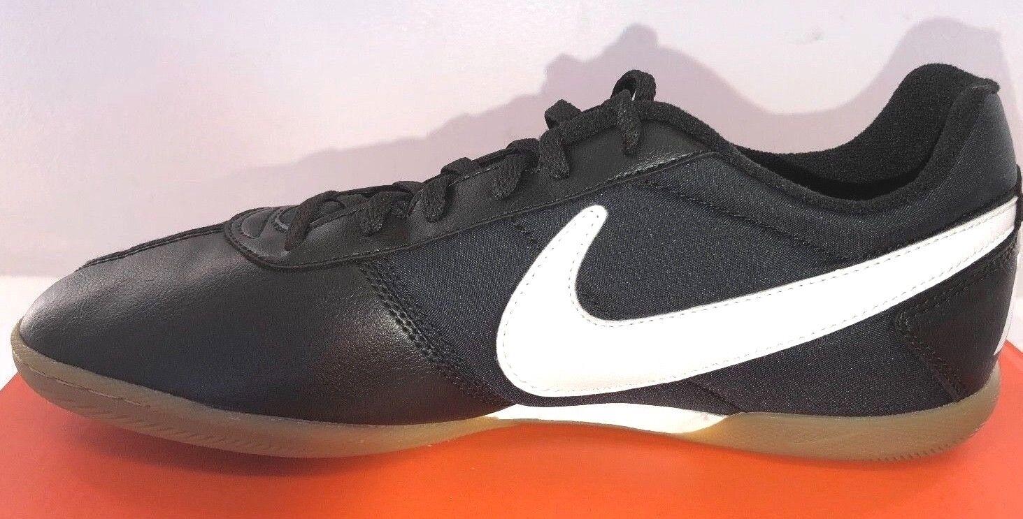 NIKE Davinho Men's Indoor Soccer Shoes  580452-010  Black/White Sizes 8-15  NEW 1