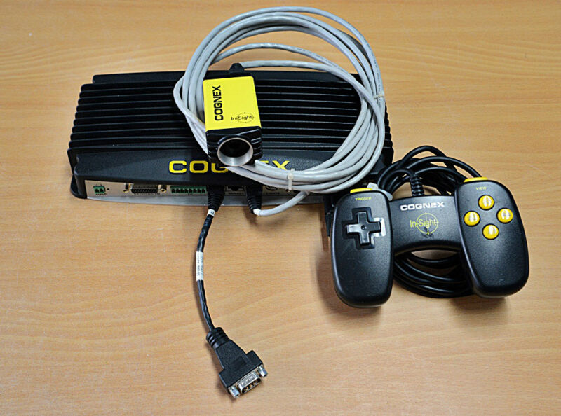 Cognex Vision IN-SIGHT2000 Set 800-5715-1  /800-5714-1 / 800-5746-1 / Cable