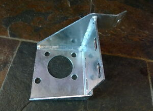 land rover series 3 steering box bulkhead bracket 90577264 ebay. Black Bedroom Furniture Sets. Home Design Ideas
