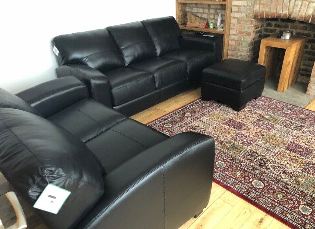 Excellent 3 Seater 2 Seater And Footstool Italian Leather Sofa Set In Hendon London Gumtree Pabps2019 Chair Design Images Pabps2019Com