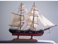 Bergantin Siglo XVIII Wood Model Sailing Ship