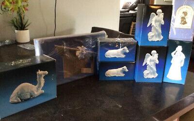 Vintage AVON White Porcelain NATIVITY Figures Set w/ Wood Stable 8 Pc Camel