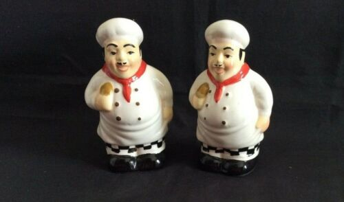 ADORABLE FRENCH CHEFS SALT AND  & PEPPER SET -- NEW & MINT CONDITION