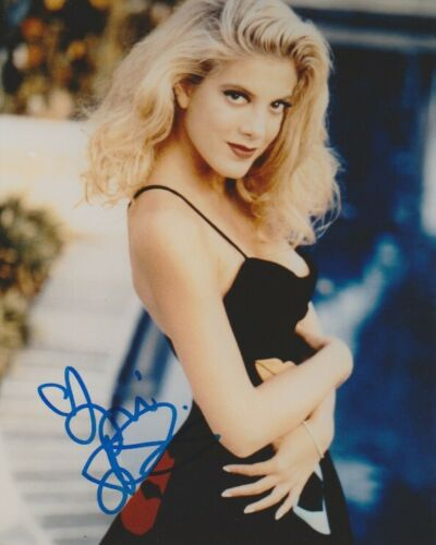 Tori Spelling 90210 Sexy Autographed Signed 8x10 Photo COA AB22