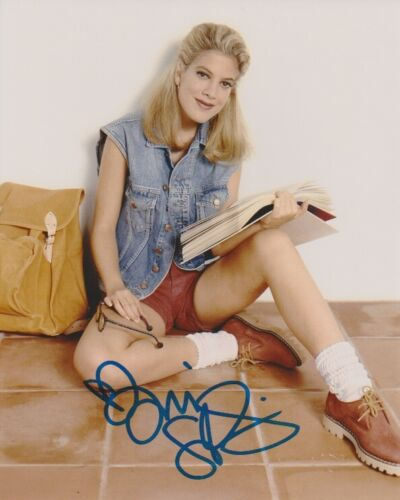 Tori Spelling 90210 Sexy Autographed Signed 8x10 Photo COA AB27