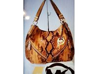 NWOT GENUINE MICHAEL KORS IN BROWN COLOUR THICK GRAIN LEATHER HAND BAG