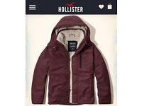 Males hollister all weather Sherpa- burgundy colour