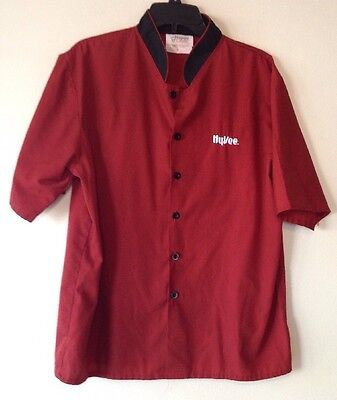 Hy Vee Cranberry Red Chefs Shirt   Happy Chef   Small   Employee Shirt