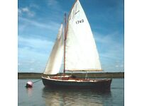 Peterboat 6 metre, Lovely wooden sailing boat - 2 berth cabin, Good condition