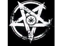 Basista szuka kapeli (metal, doom, stoner, thrash) / Bassist available