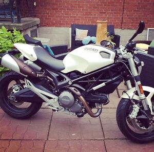 Low Km Ducati Monster 696