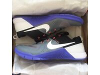 RARE Men's Nike flywire gym/running shoes size 10
