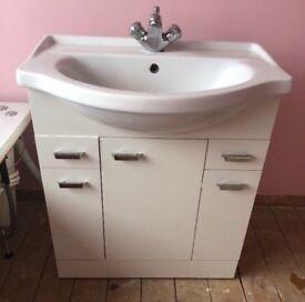 Vanity unit, sink and taps