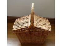 Lidded Wicker Picnic Basket