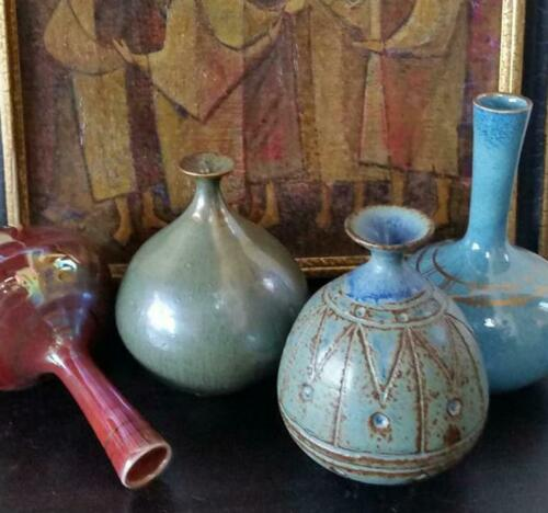 ROBERT G YARYAN, Mini Collection of 4 Art Pottery Vases, Retrospective Booklet
