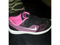Girls nike trainers worn once