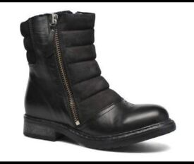New Leather Diesel boots size 5
