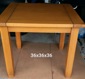 TABLE + 2 FREE CHAIRS
