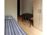 Gorgeous Rooms ! Single & 2 twins ! Central line