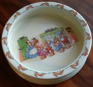 Bunnykins, Porringer / Cereal Bowl, Large Royal Doulton, Christm