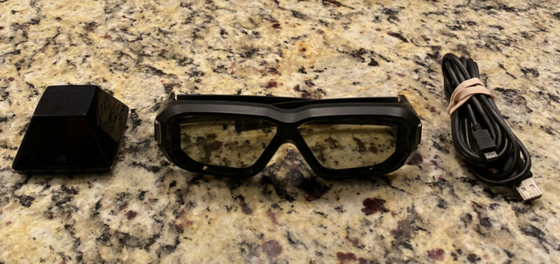 Nvidia 3d Vision 2 Kit with Glasses, IR Emitter and Charger - Shipped Fast!!