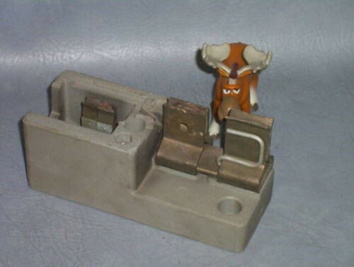 Square D Fuse Clip / Block M-252171