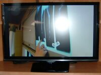 "Small freeview 22"" Samsung tv with wall mount"