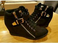 New Look trainer boots size 6