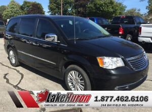 2012 Chrysler Town & Country Limited *LOADED*